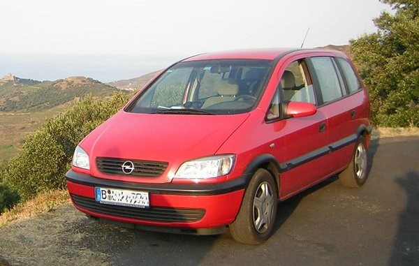 Opel Zafira 1999 in Berlin
